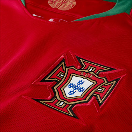 Nike Youth Ronaldo Portugal 2018 World Cup Home Jersey  484ae9fe3